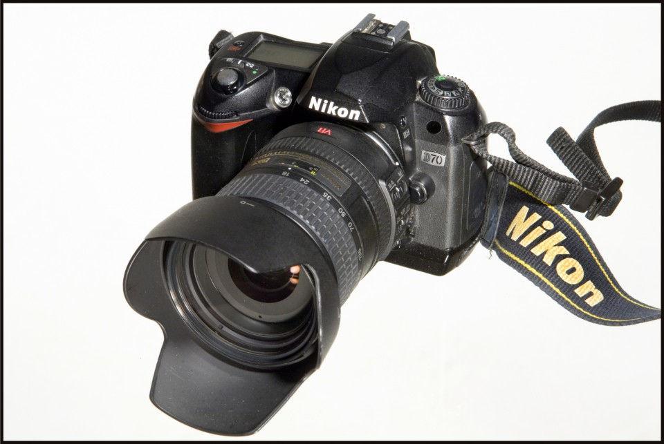 014-Nikon-D70